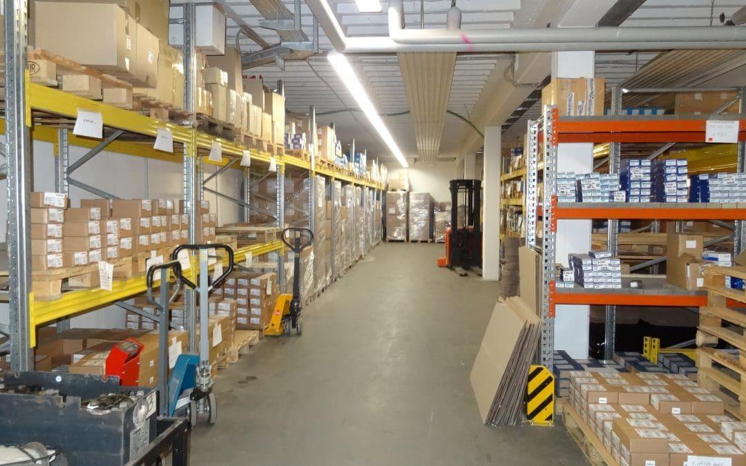 Lager / Werkstatt ca. 328m² mit eigenem Büro zu vermieten